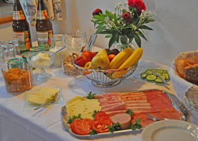 Bauernhoffrühstück auf dem Taffenreutherhof