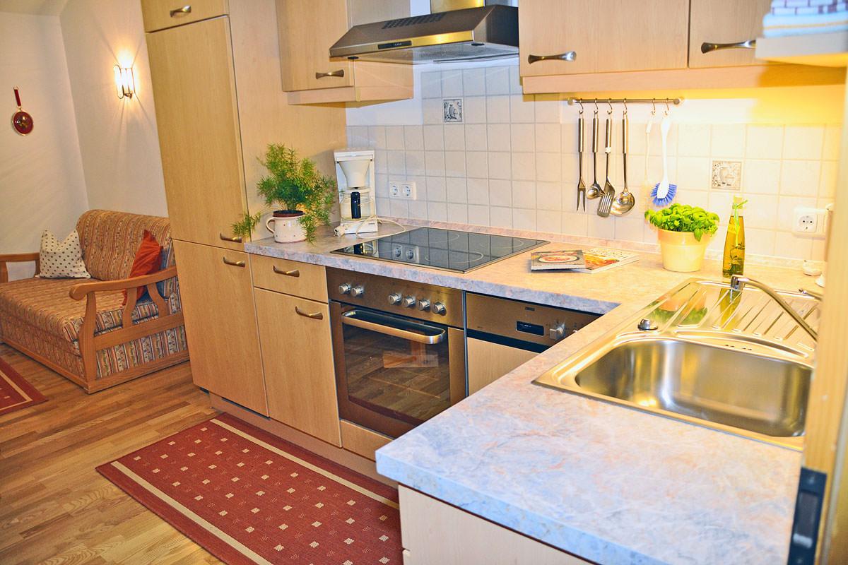 Gemütliche Wohnküche in der Fewo Margerite